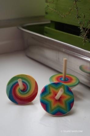 Toupie Multicolore Jouet Bois Enfant Jeux Anniversaire Cadeau Original Toupie Shop Magasin Jouets Boutique Toupies