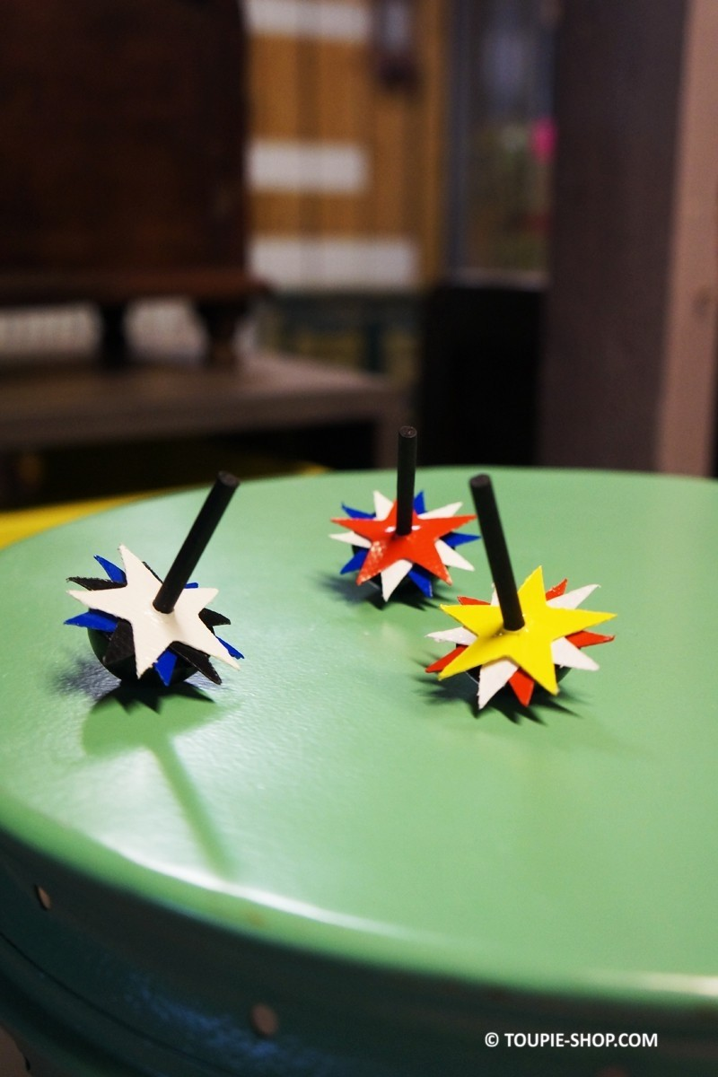 com te s jeux de toupie enfants jouet en bois pas cher. Black Bedroom Furniture Sets. Home Design Ideas