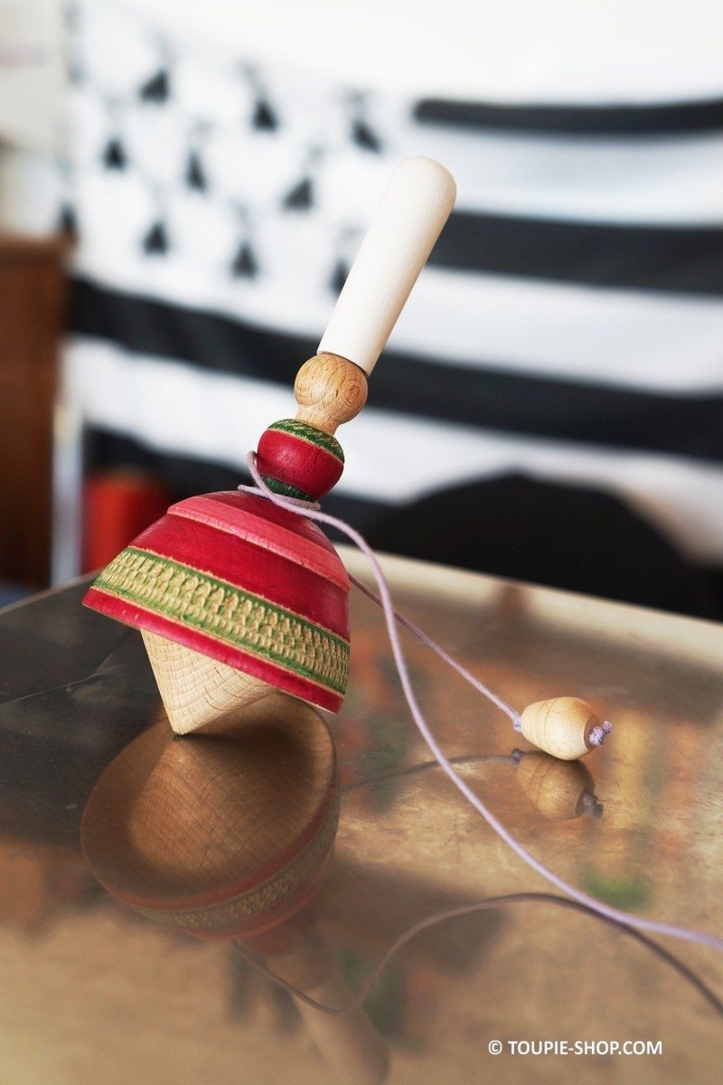 Bigouden grande en bois artisanal toupie avec lanceur ficelle bretagne - Toupie a bois ...
