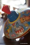 Carrousel Jeux Enfant Toupie Métal illustrée Petit Modèle