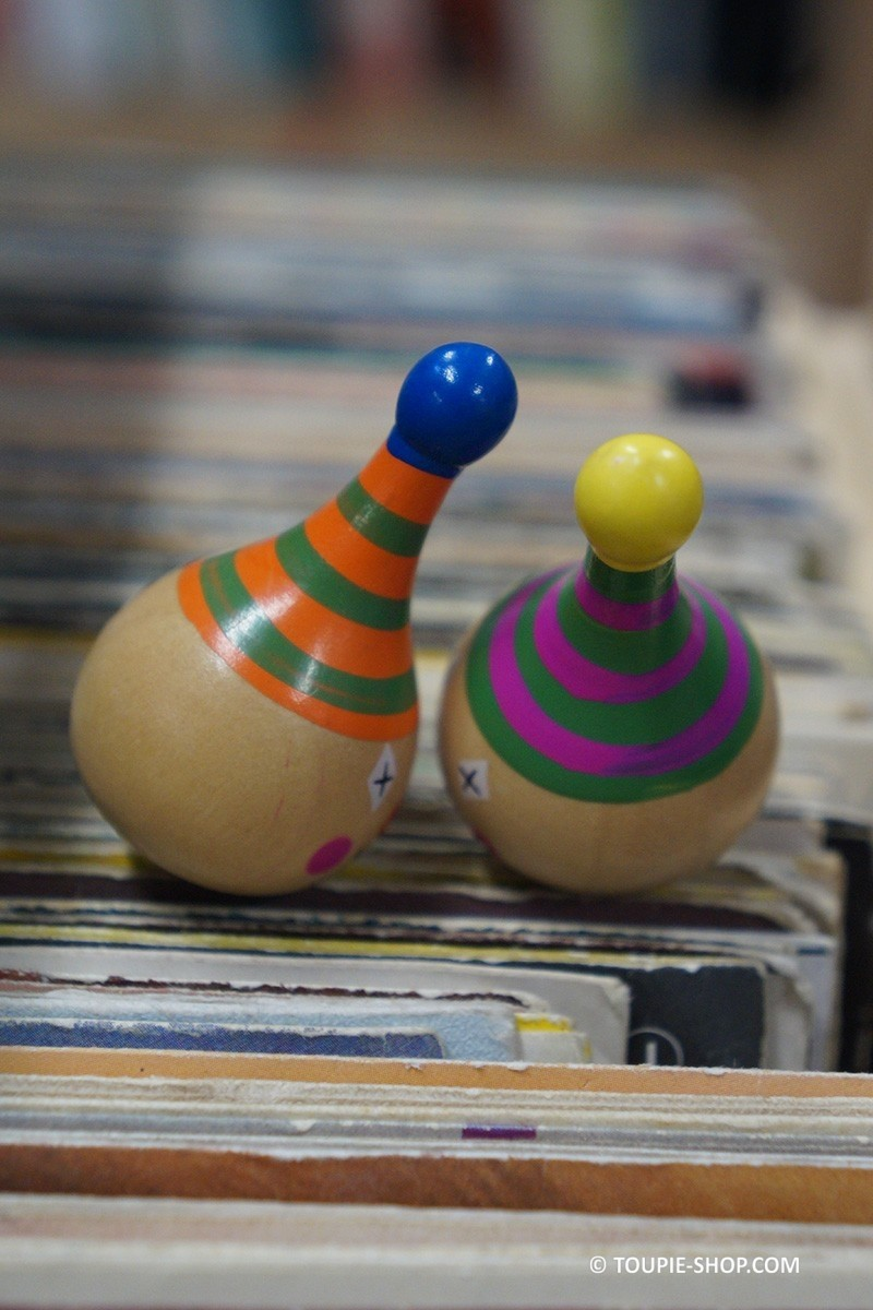 clown petit jeu en bois toupie enfants jouet gar on jeux fille. Black Bedroom Furniture Sets. Home Design Ideas