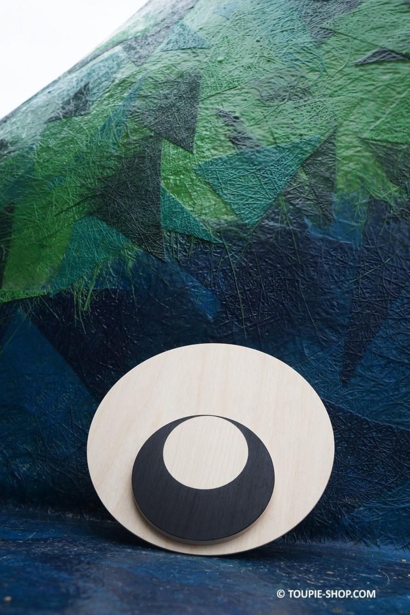 oeil de kaa toupie en bois design jeux adulte cadeau d 39 anniversaire. Black Bedroom Furniture Sets. Home Design Ideas