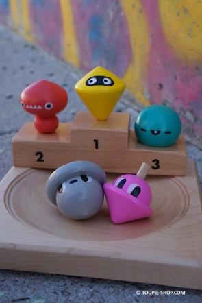 Jeux de Toupie en Bois Fabriqué en Allemagne Toupies 5 Fantastiques Jouet Cadeau Original Toupie Shop Magasin Jouets Bois Nantes