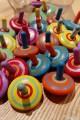 Candy Collection de 3 petites toupies en bois Jouet pas cher Cadeau Noel Enfant Toupie Shop Magasin de Jouets Bois Toupies