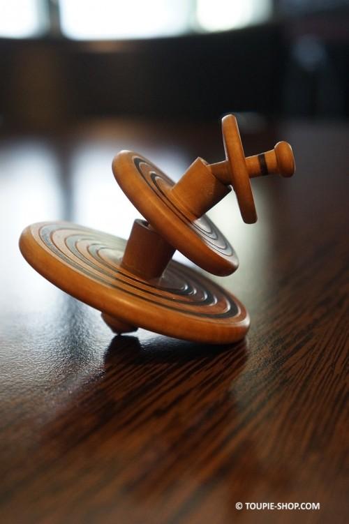 Totem Toupie qui tourne l'une sur l'autre 3 Jeux en Bois de Poirier Artisanat Toupie Shop Magasin Boutique Jouet de Collection