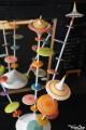 Quel Cadeau Original pour Collectionneur de Toupies en Bois Artisanal ? Un Arbre à Toupie Jeux Design Jouet Fabriqué en France