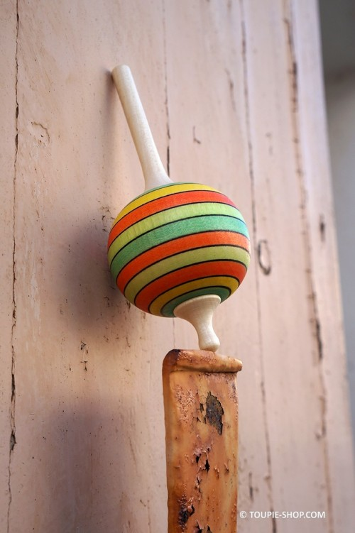 Maracas Jouet Toupie en Bois d'Erable Jeu Artisanal Fabriqué en Europe Cadeaux Jeux Fete des Peres Meres Collection Toupie Shop