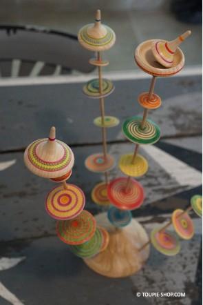 Pièce Unique Arbre a Toupie Artisanat Fabriqué en France Jeux en Bois Cadeau Original Toupie Shop Magasin de Jouets en Bois