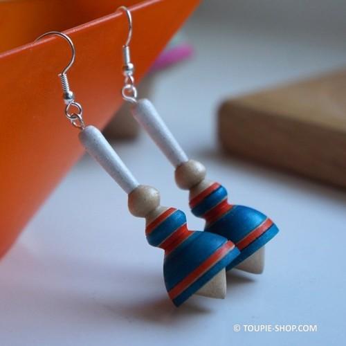 Mini Bigouden Fabriqué en Bretagne Boucles d'oreilles Bijou en Bois Artisanal Toupie-Shop Magasin de Jouets Toupies