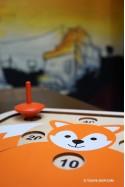 FOX Jeu en Bois Avec Plateau et Toupies pour Enfant