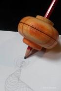 Jouet en Bois Artisanal Toupie avec Crayon Jeu et Coloriage