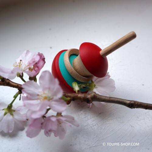 Toupie Pomme Apple Spinning Top Wooden Toy Handcrafted Creation Made in Europe Game Shop Store Collection Toupie-Shop.com