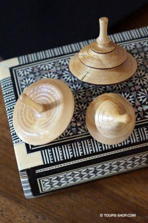 Collection de Toupies en Bois de Buis Jouet Artisanal Made in France Jeux Adulte Toupie Shop Magasin Jouets Acheter Cadeau Noel