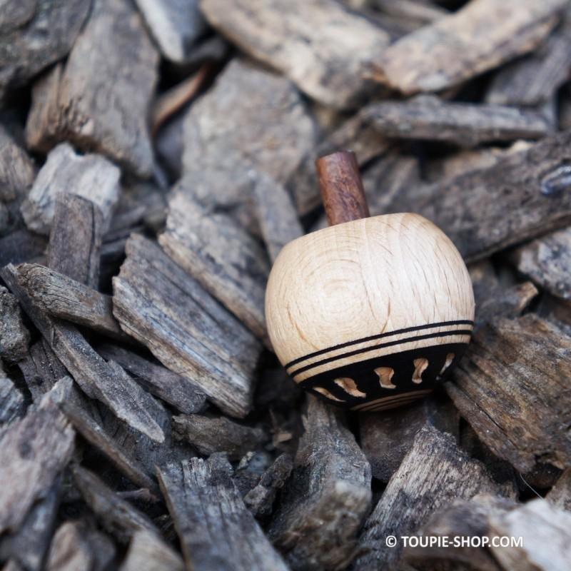 Pirouette sculpt e acheter toupie en bois artisanal jouet for Acheter laine de bois