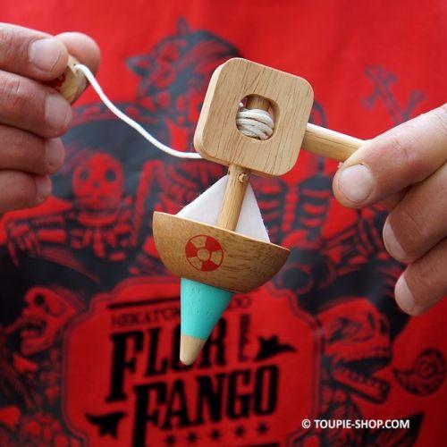 Bateau Comment faire tourner une toupie en bois avec lanceur ficelle Jouet pour Enfant Toupie Shop Collection Jeux Achat Toupies